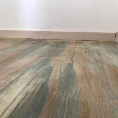 detailný pohľad na podlahu