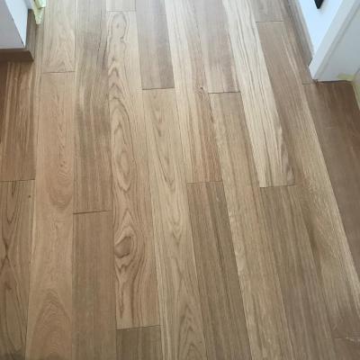 opravená podlaha bez stôp po vysprávke