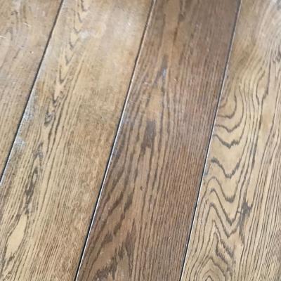 vybrúsená podlaha pred lakovaním